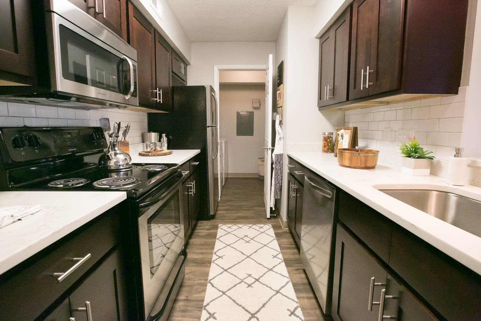 New appliances at apartments in Westlake