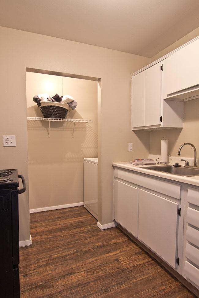 Clean kitchen in our Fort Wayne, IN apartments