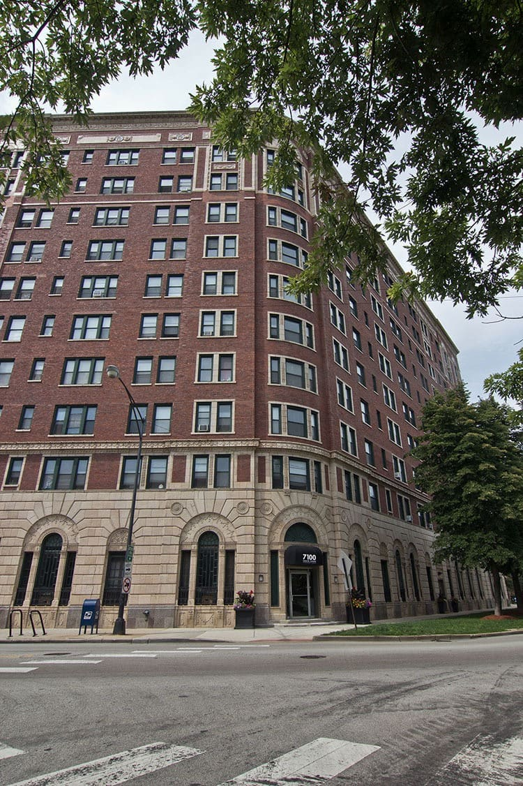 7100 South Shore Drive Apartments in Chicago IL apartments for rent