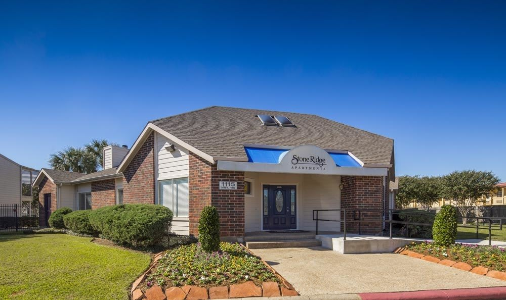 apartments in Texas City TX front entrance