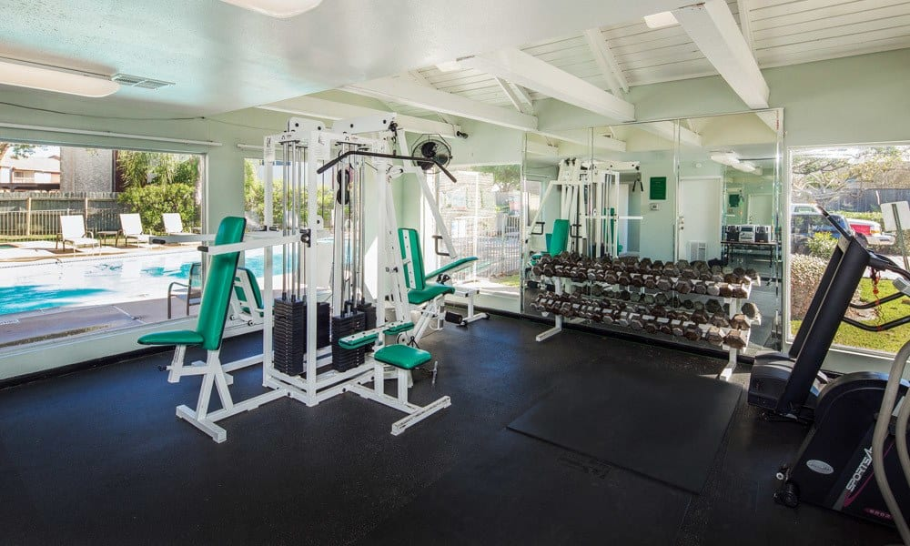 University Green apartments includes a fitness area in Houston TX