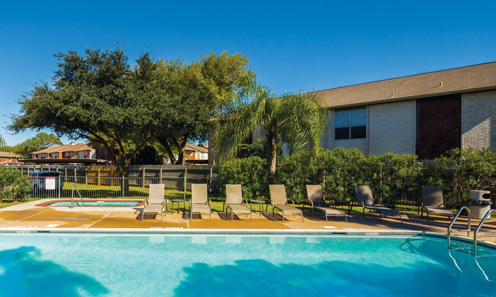 Outdoor Swimming Pool at apartments for rent in Houston TX