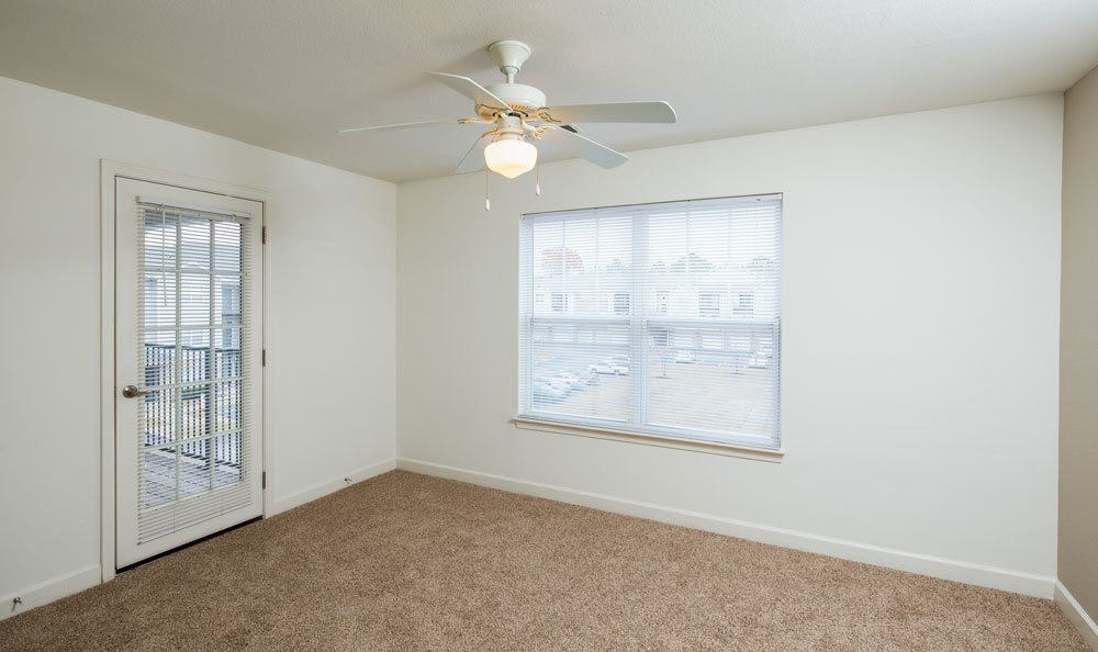 Memphis apartments includes bedrooms with attached patios