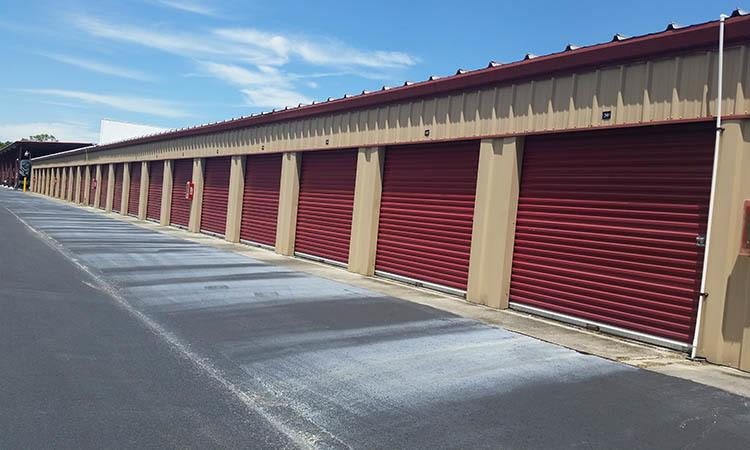 Storage features offered at Compass Self Storage in Spring Hill