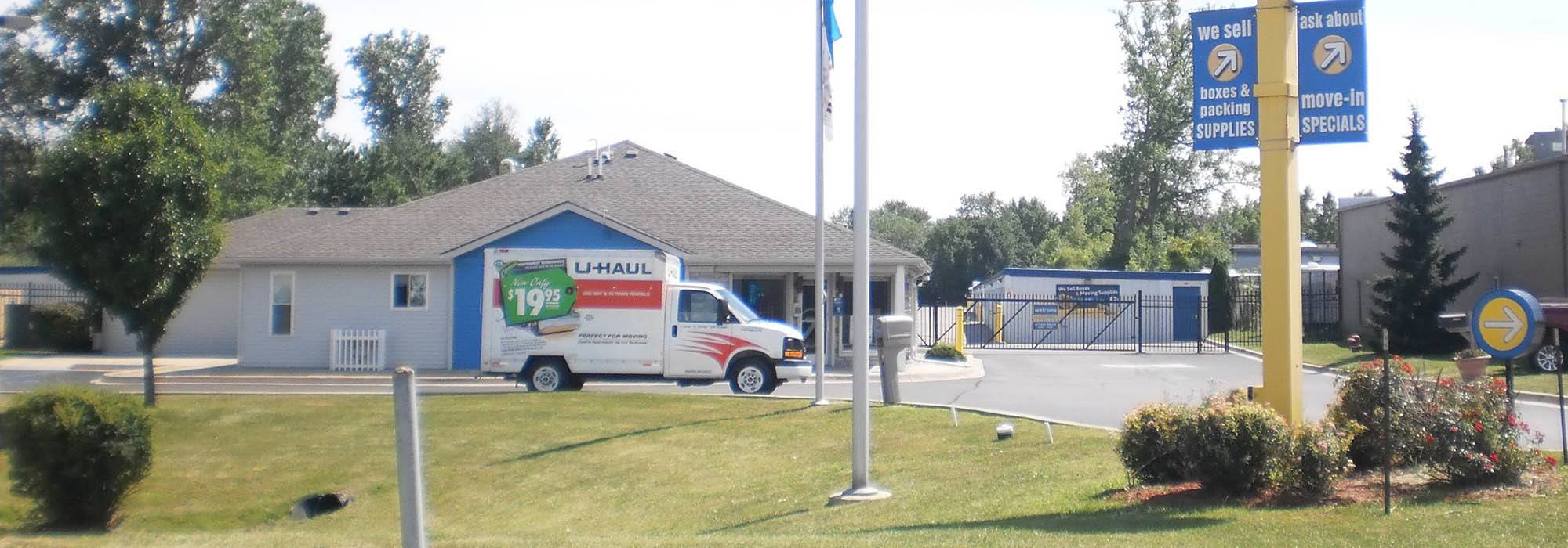 Self storage in Fraser MI