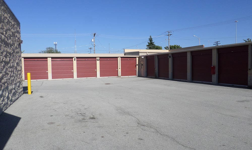 Drive Up Storage Units at Compass Self Storage in Lansing, IL