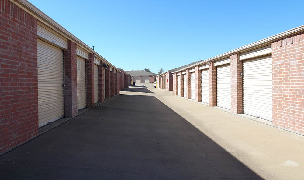 Storage features offered at Compass Self Storage in Fort Worth