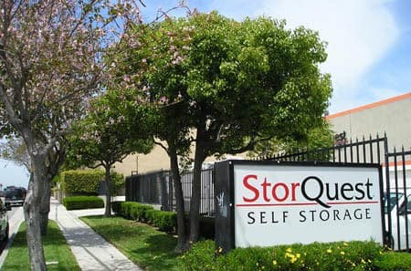 Self storage building exterior in Torrance