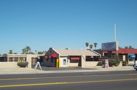 Self storage building exterior in Phoenix