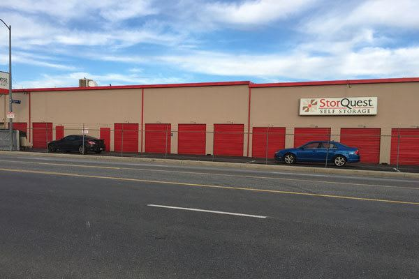 Exterior view of StorQuest Self Storage in Canoga Park