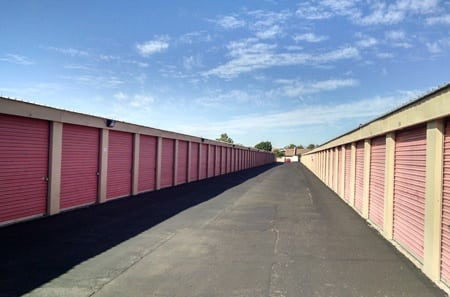 Self storage unit exterior in Glendale