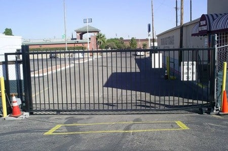 Self storage gated access in El Paso