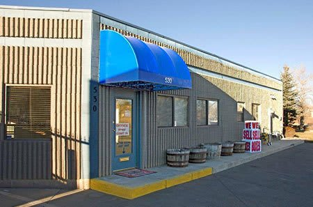 Self storage building exterior in Lafayette