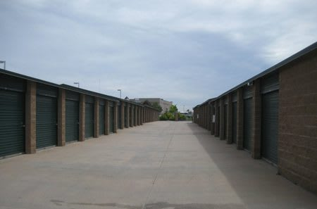 Self storage units in Parker