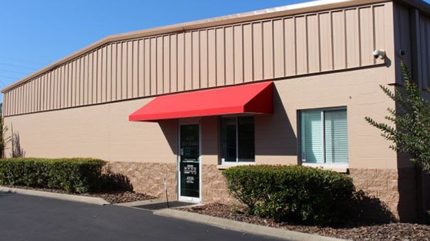 Self storage building exterior in Gainesville