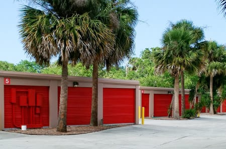 New Smyrna Beach self storage units