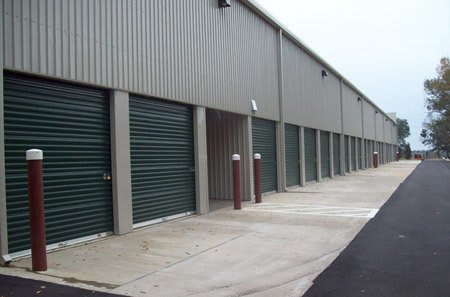 Self storage building exterior in Tallahassee