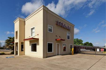 Self storage building exterior in Friendswood