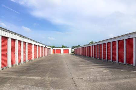 Paved driveway at StorQuest Self Storage in Friendswood, TX