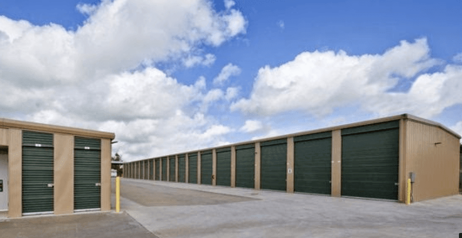 Self storage building exterior in Sugar Land