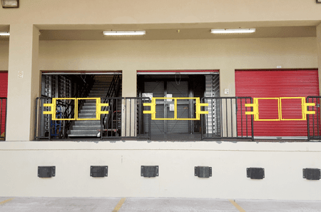 Self storage units in Waipahu