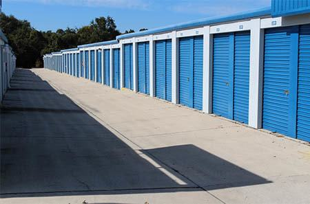 Self storage building exterior units in Gainesville