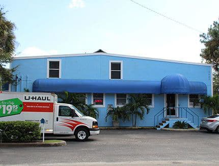 Sizes and prices of Tampa self storage units