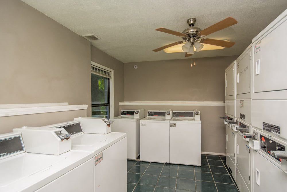 Dunwoody Apartment Homes Laundry Room