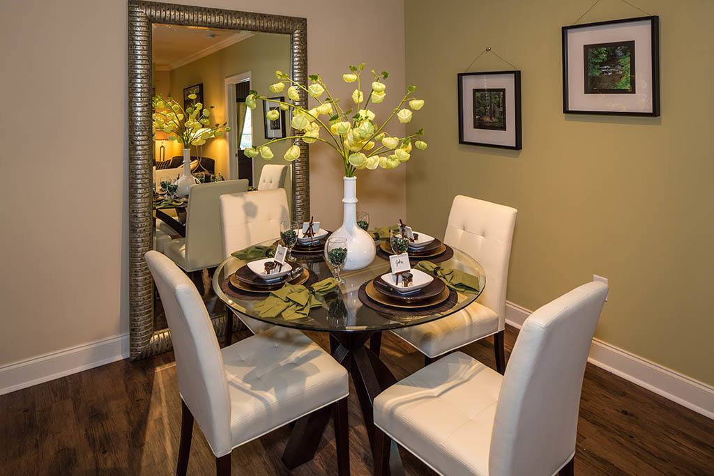 Dining room options at The Preserve at Greison Trail