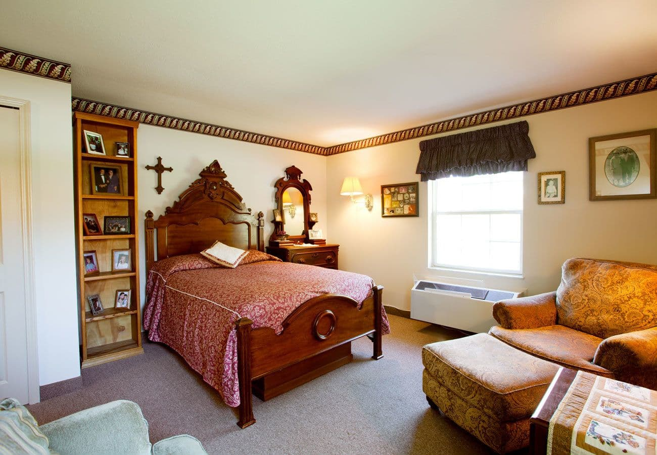 Carpeted model bedroom at Governor's Pointe in Mentor, Ohio