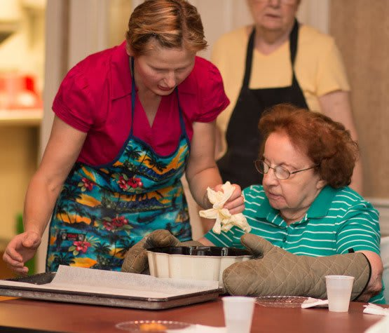 Employees make sure your dining experience at assisted living of Wood Dale, IL is the best.