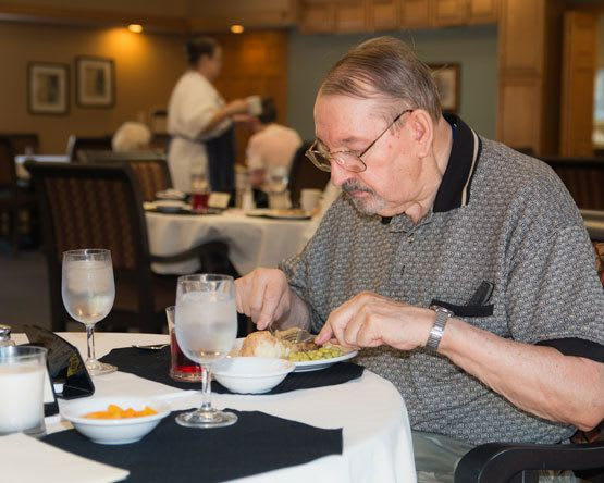 Employees make sure your dining experience at assisted living of Lawton, MI is the best.