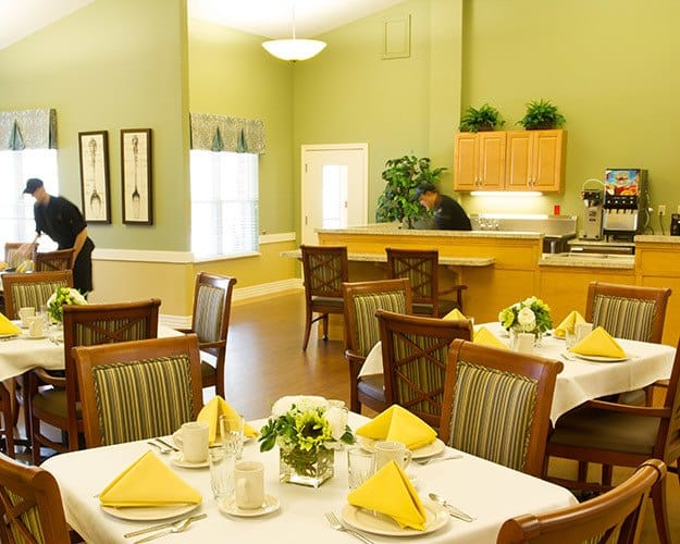 Employees make sure your dining experience at assisted living of Tipp City, OH is the best.