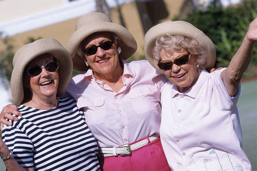Enjoy the sun at the senior living in Rainbow City