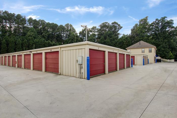 External Red Storage Corner at Space Shop Self Storage in Acworth