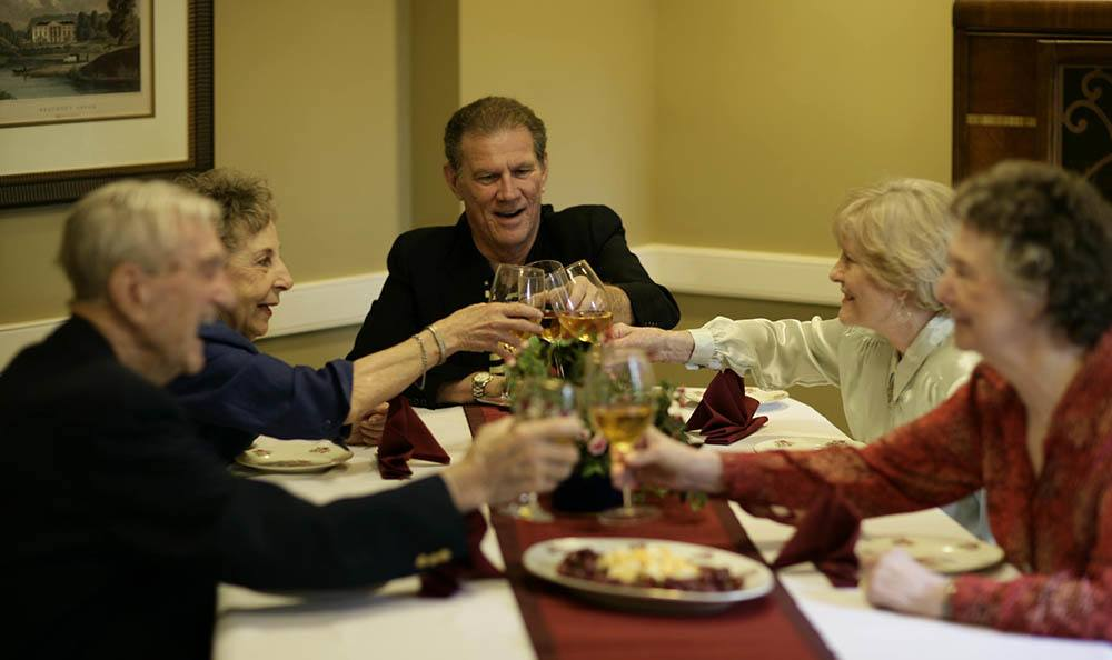 Enjoy a fancy Huntsville senior living facility dinner with your friends