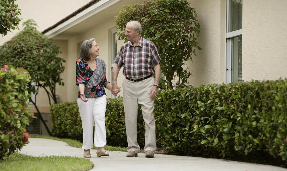 Enjoy every moment with your loved ones at our senior living facility in Tamarac