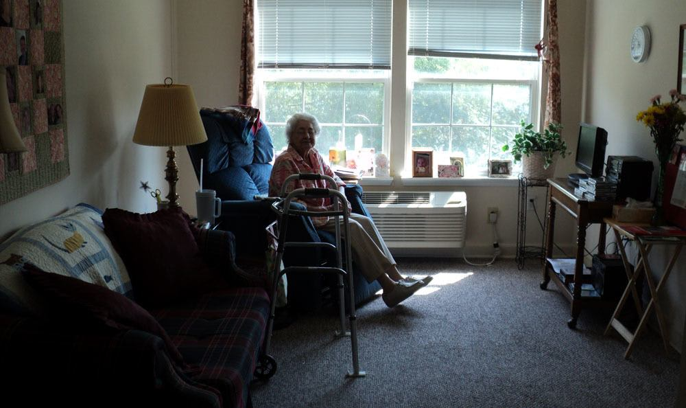Enjoy the spectacular comfort of our rooms at our Jasper senior living facility