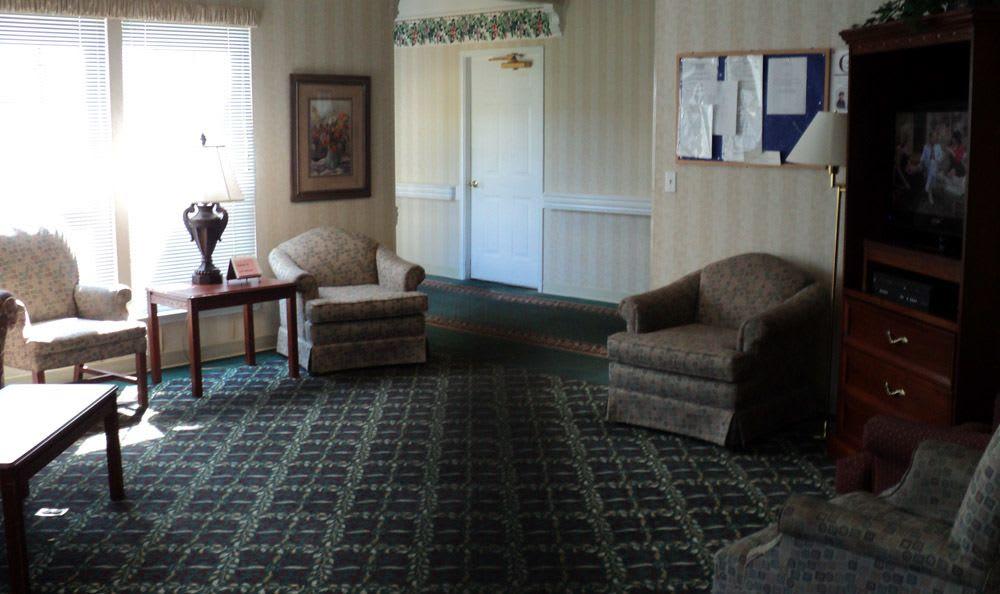 Our senior living facility living room in Jasper