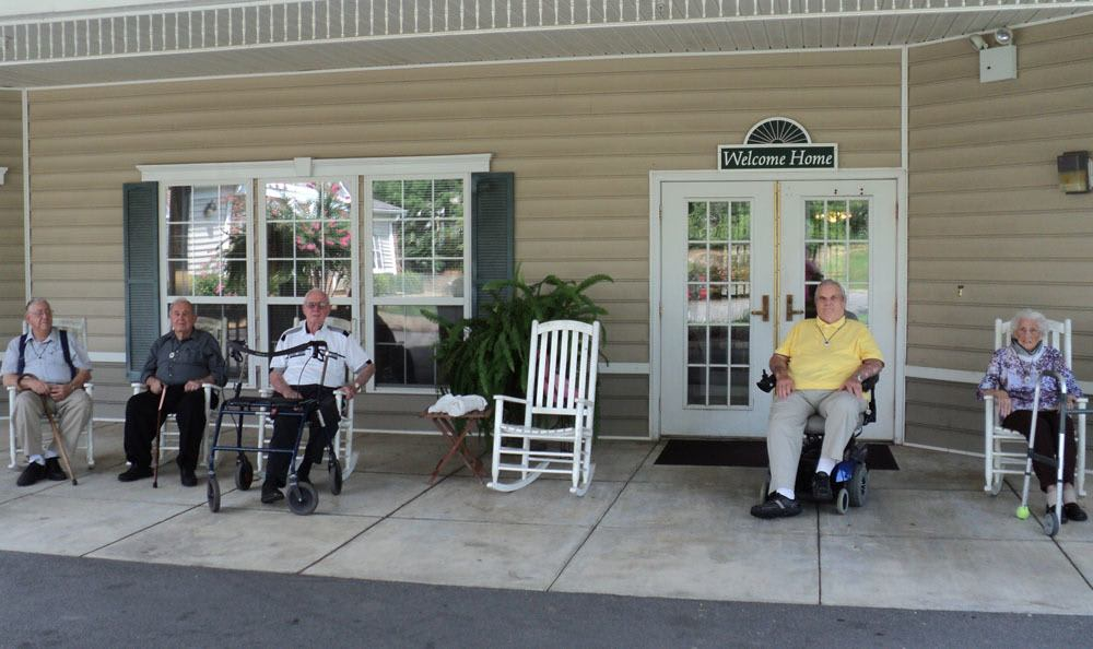 No one will feel left out at our Jasper senior living facility