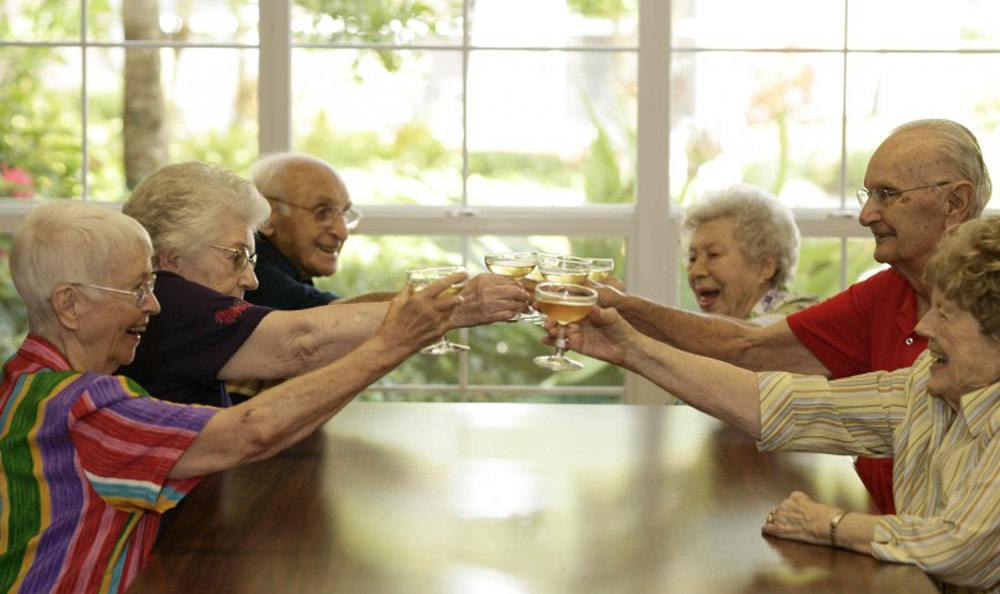Meet new friends and make memories at our senior living facility in Venice