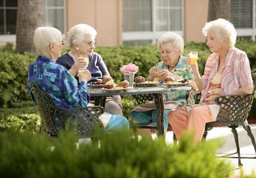 Find new friends at senior living in Venice