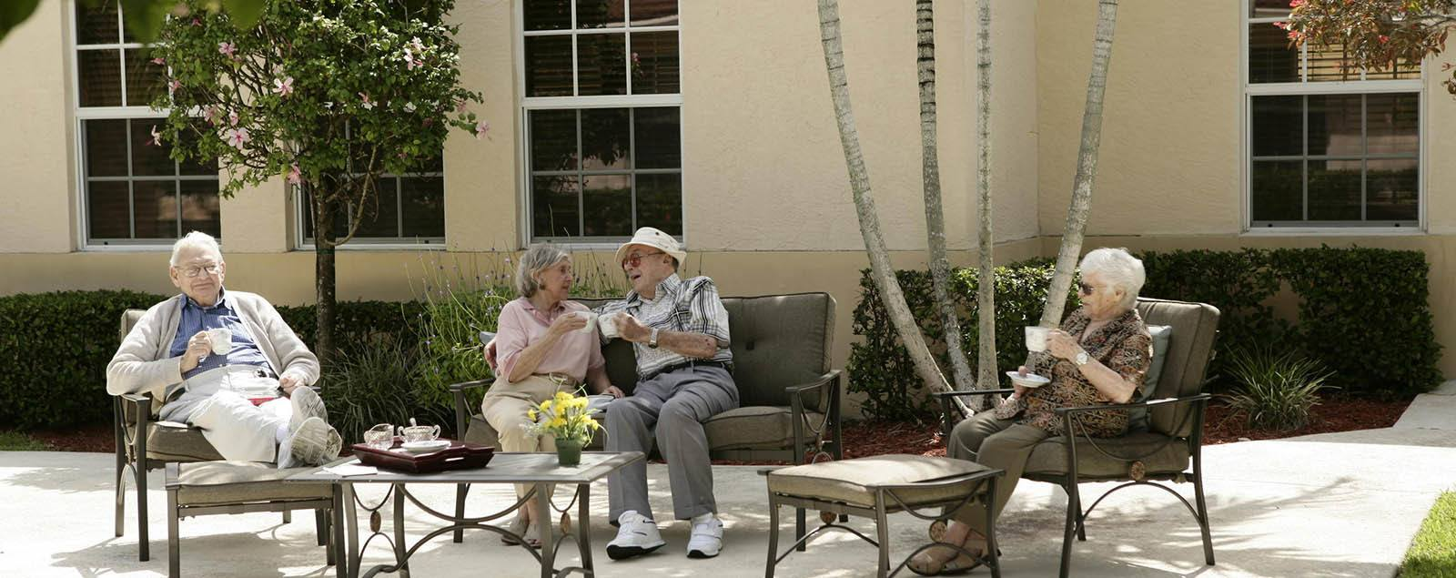 Schedule a senior living tour in Coral Springs