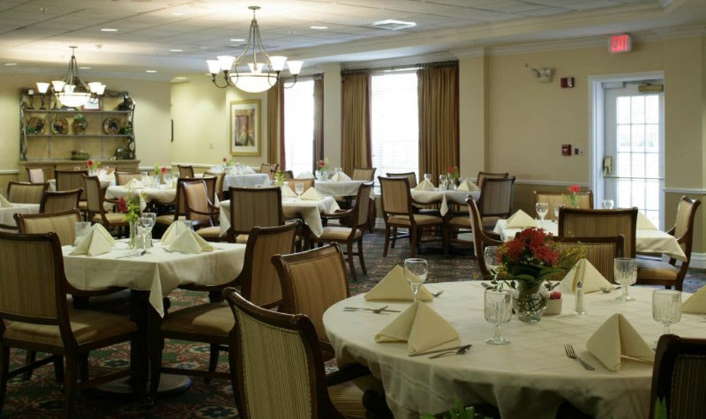 Enjoy the spectacular dining at our Naples senior living facility