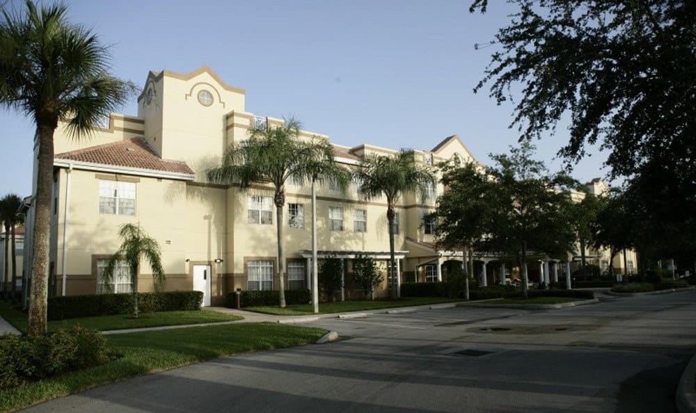 Wonderful scenery accompanies our senior living facility building in Naples