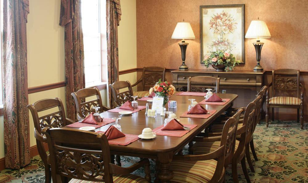 Enjoy the exquisite dining at our Vero Beach senior living facility