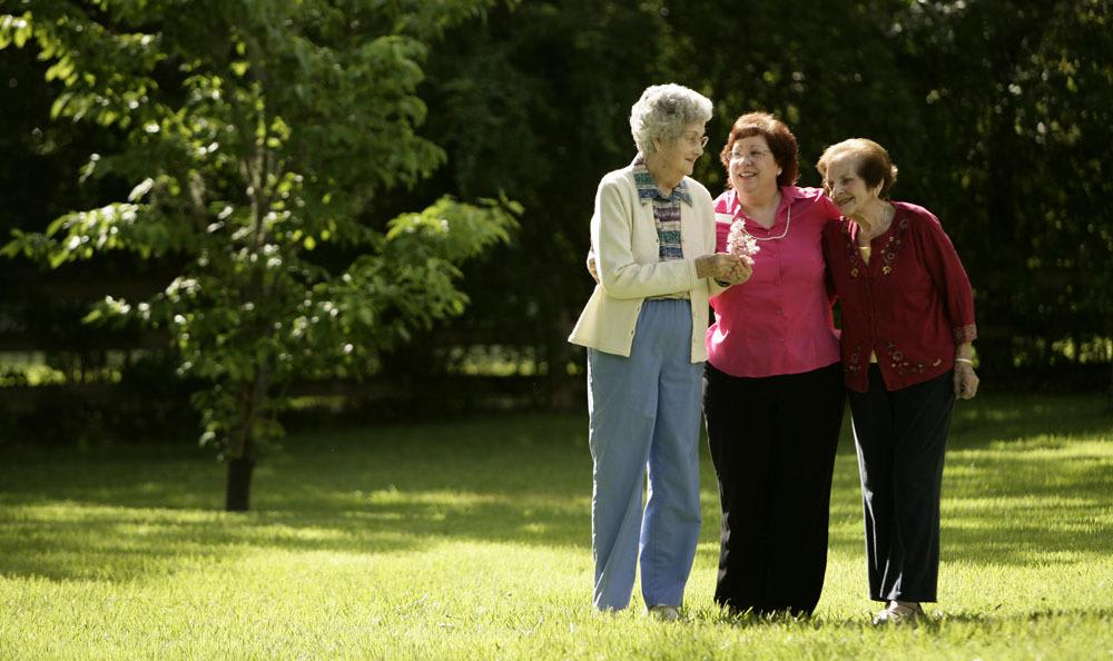 Create memories with loved ones and friends at our senior living facility in Gainesville