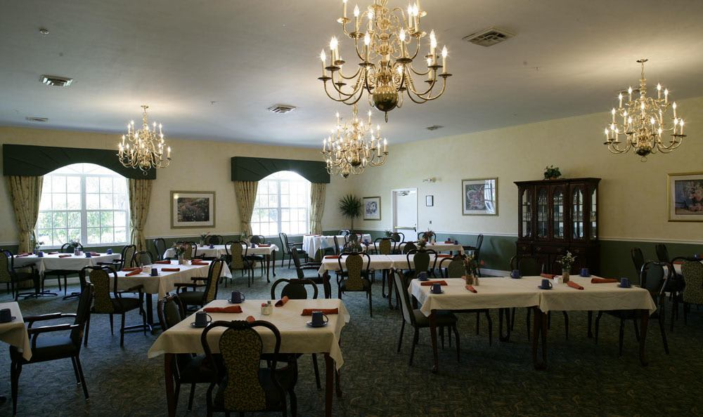 Enjoy our wonderful dining at our Naples senior living facility