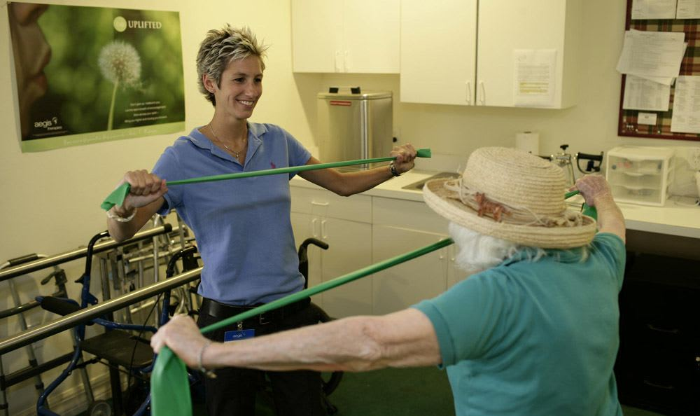 Our Naples senior living facility has fun activities to improve your daily life