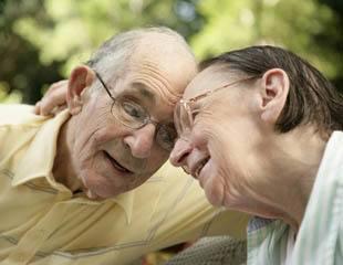 Happy senior living couple in Palm Beach Gardens